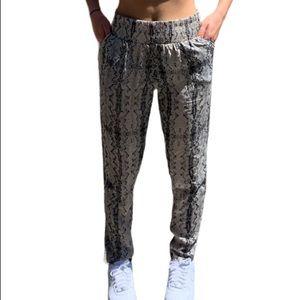 Stunning Women's Silk Snakeskin Pants Size Small